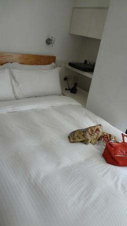 V Causeway Bay Serviced Apartments: ベッド