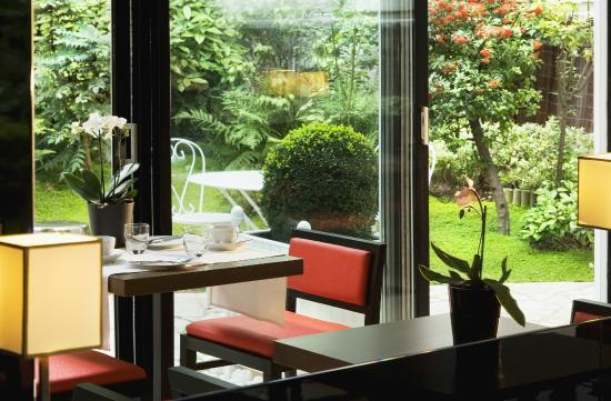 Jardin de neuilly neuilly sur seine frankrike omd men - Restaurant jardin d acclimatation neuilly ...