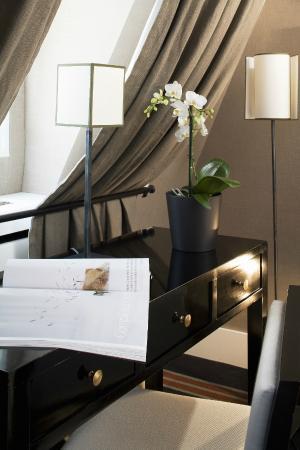 jardin de neuilly. Black Bedroom Furniture Sets. Home Design Ideas