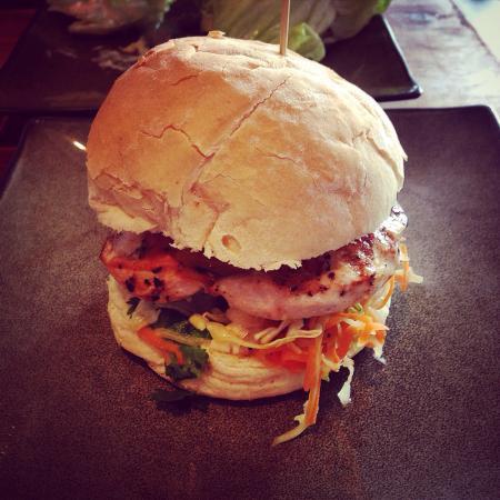 Burger Lounge: Confused Chicken Burger. Excellent mango salsa