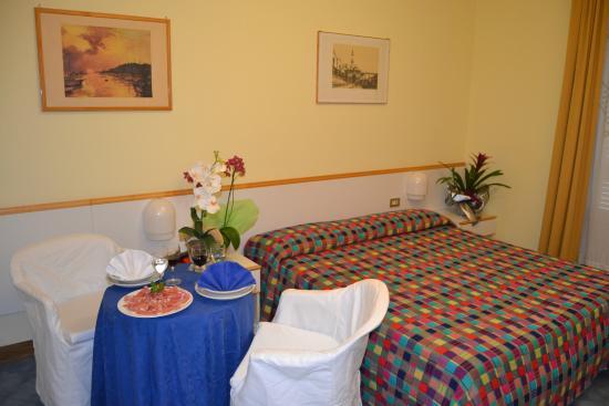 Hotel L'Approdo: Camera matrimoniale