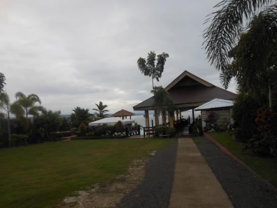 La Veranda Beach Resort & Restaurant: Dining and Pool Area