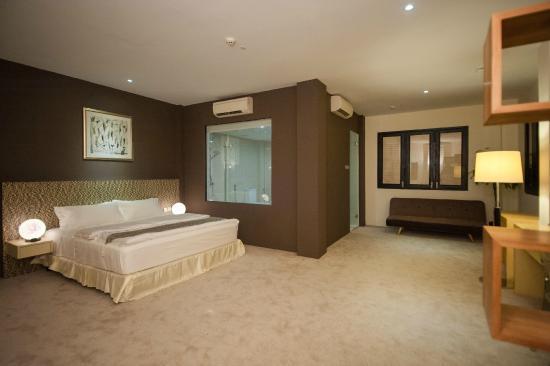 Raintr33 Hotel Singapore