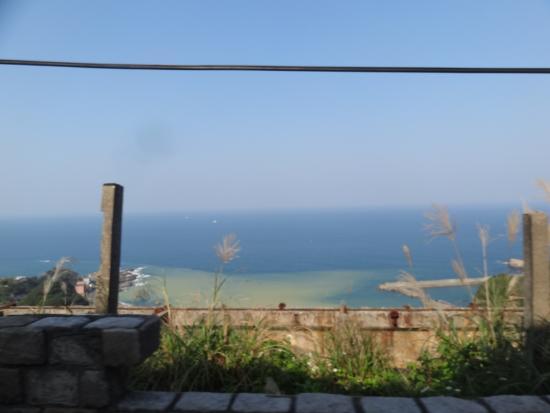 Yinyang Sea: 高台から(バス車窓)