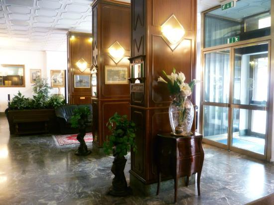 Hotel Minerva: Hall