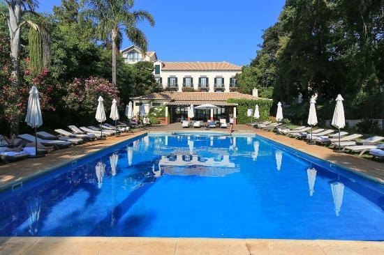 Quinta da Bela Vista: Poolside bar