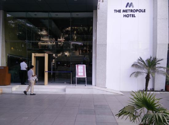 The Metropole Hotel: Hotel Facade