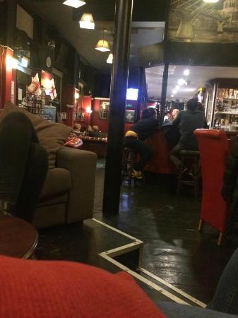 King William IV: Lounge/bar