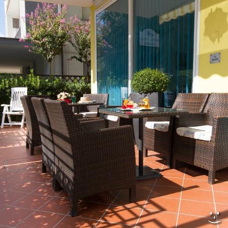 Hotel Ivonne : Veranda
