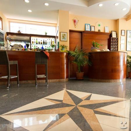 Hotel Ivonne : hall