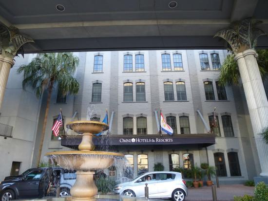 Omni Riverfront Hotel Hotelvorfahrt Und Eingangspartie
