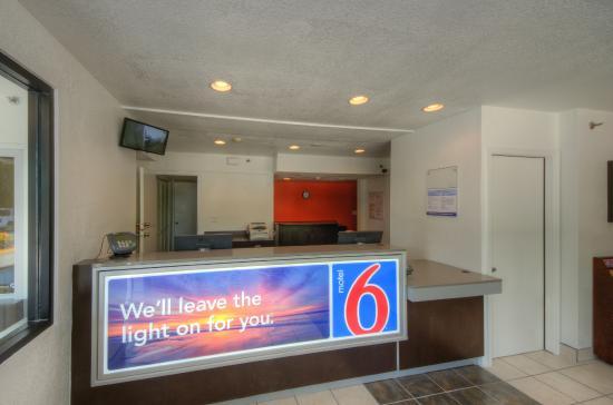 Motel 6 Bradenton: Lobby