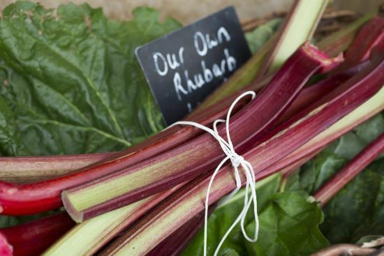 Cedarbarn Farm Shop and Cafe: Own grown Rhubarb