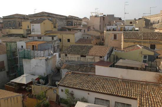 Bed & Breakfast Dolce Silenzio : Vue sur les toits pas terrible