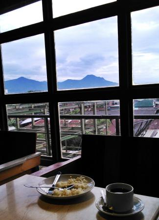 Chara Hotel: View from Resto