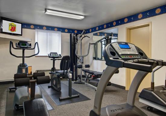 Super 8 State College: Fitness Center