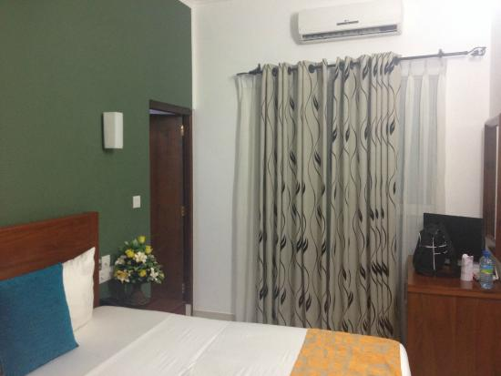 Hotel Travellers Nest : номер