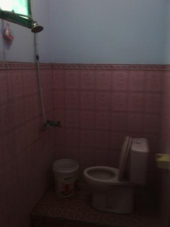 Chez Felix Hotel & Restaurant : bathroom