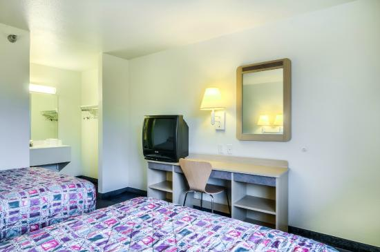 Motel 6 Chicago Northwest- Rolling Meadows: Guest Room
