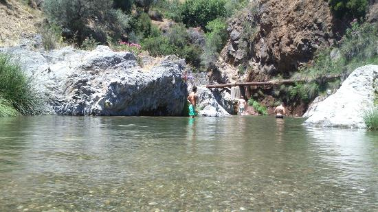 Marbella, Hiszpania: River Swimming in Benahavis
