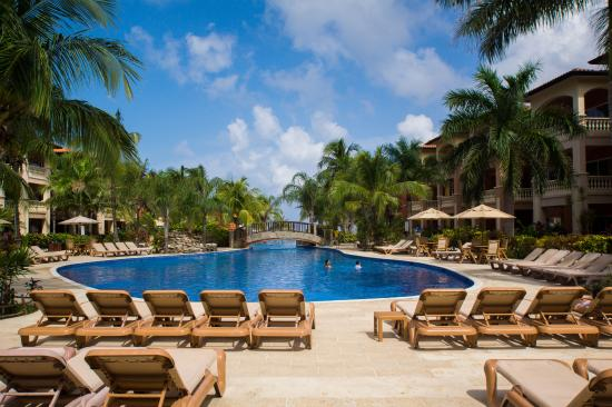 Infinity Bay Spa and Beach Resort: Pool View