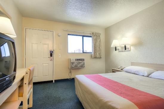 Motel 6 Anaheim Stadium - Orange : Guest Room