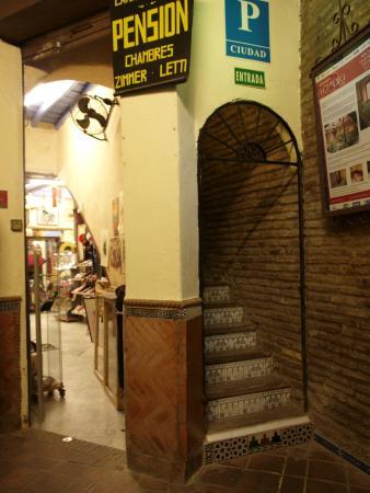 Pension Vergara: front door
