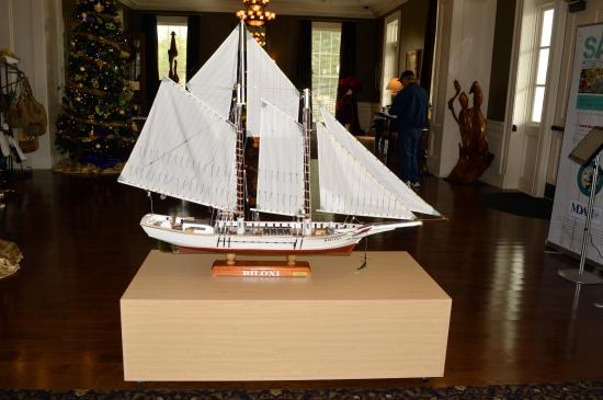 Biloxi Visitors Center: Biloxi Schooner model