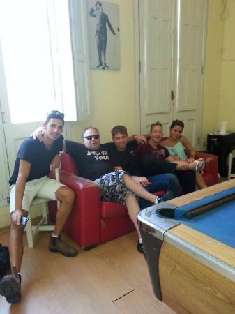 Montevideo Port Hostel: En el living