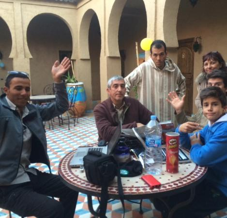 Riad Ouzine: con nuestros amigos