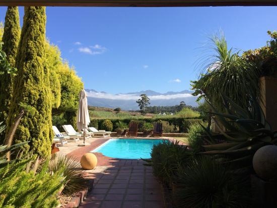 Villa Tarentaal: Breakfast view