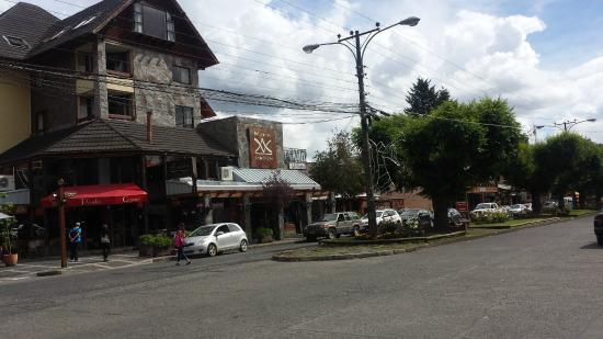 Del Volcán Apart Hotel : FRENTE HOTEL