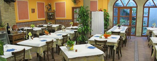 Hostal Restaurante El Surtidor S.L