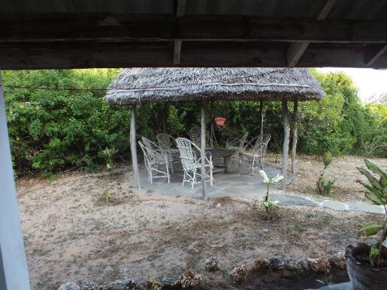 Mwamba Centre: Outdoor Gazebos for sitting in the shade.