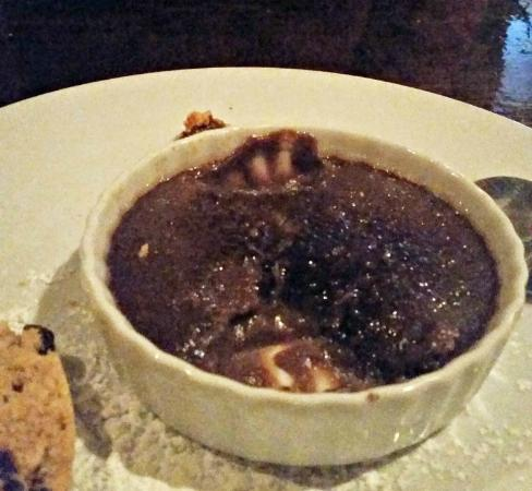 Italia Trattoria: Chocolate Pudding disguised as Creme Brulee
