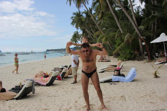 Blue Coral Resort: Пляж! в 50 метрах от отеля!