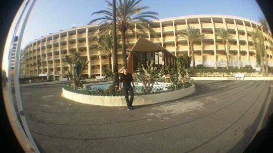 Jardin del Atlantico : Infront of the hotel