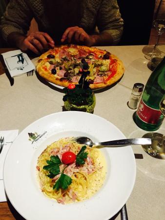 Villa Masianco: Pizza primavera e pasta carbonara