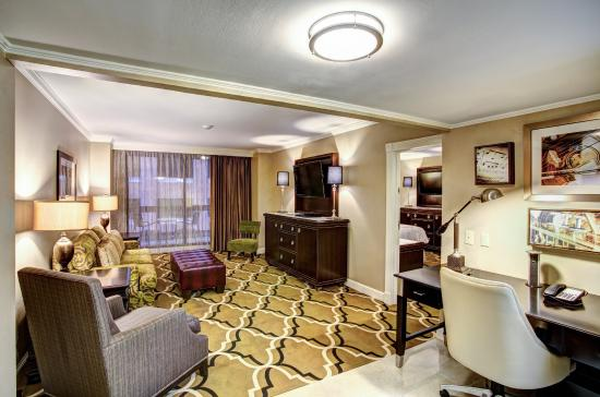 InterContinental New Orleans : Balcony Suite