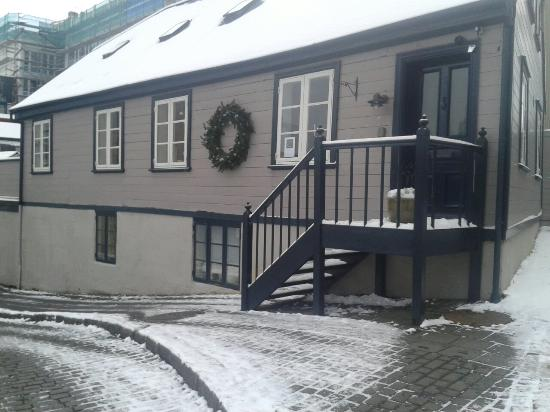 Reykjavik Treasure B&B : Beautiful snowy Treasure!