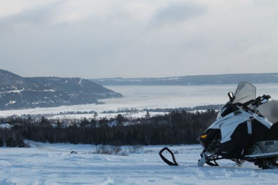 Aventure Laurentienne : Une vue incomparable, accessible seulement en motoneige