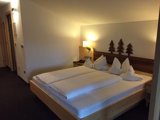 Hotel Alpenroyal: Parte della nostra stanza il resto scopritelo voi