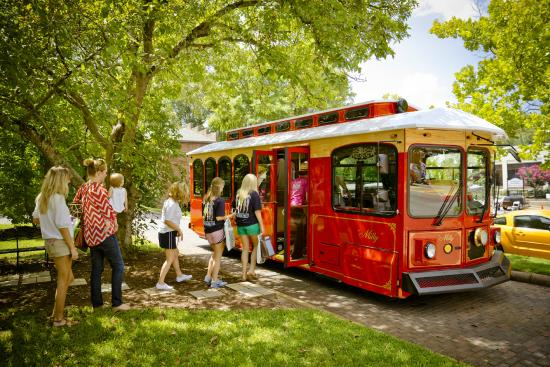 Milledgeville, GA: Daily Trolley Tours