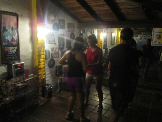 Iguana Hostel: Salsa classes