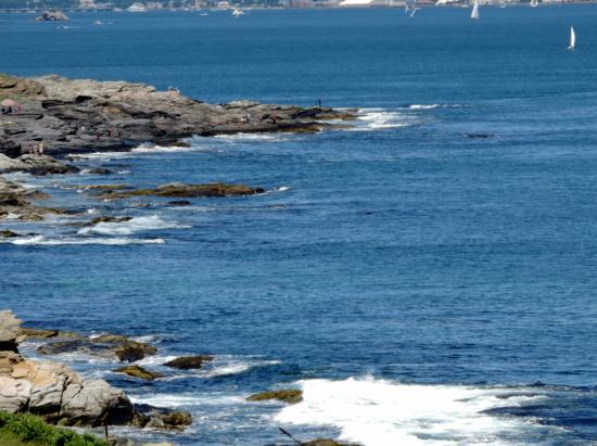 Beavertail Lighthouse and Park: Beavertail LH