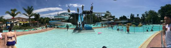 Splash Planet: Pano view of the main pool