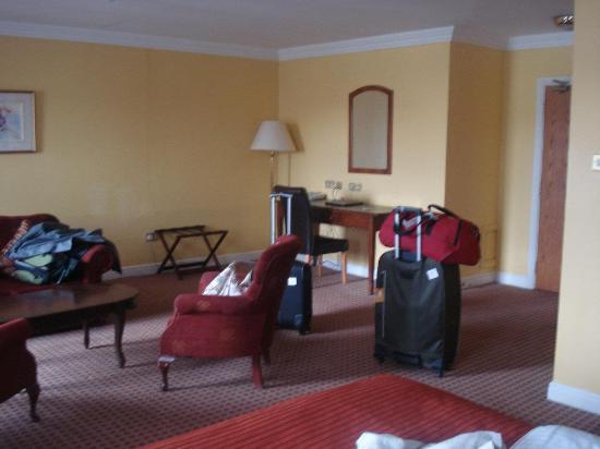 Cassidys Hotel: A sala no nosso quarto!