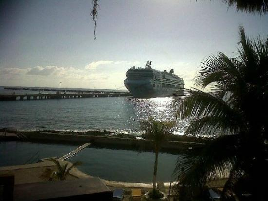 Costa Maya, México: arrival of the ship