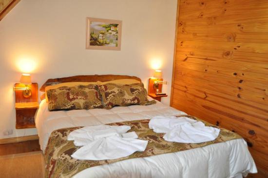 Apart Samay Hue Bungalows: Dormitorio matrimonial