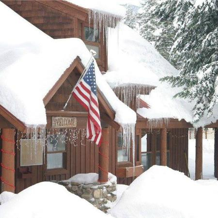 Mazama Country Inn Winter
